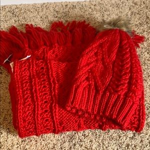NWT red chunky scarf and hat set
